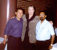 Chef Martin Yan, Jerry De Vecchio of Sunset Magazine and Ranjan Dey at New Delhi Restaurant. Martin Yan's favorite is the Kashmiri Mild Curry.